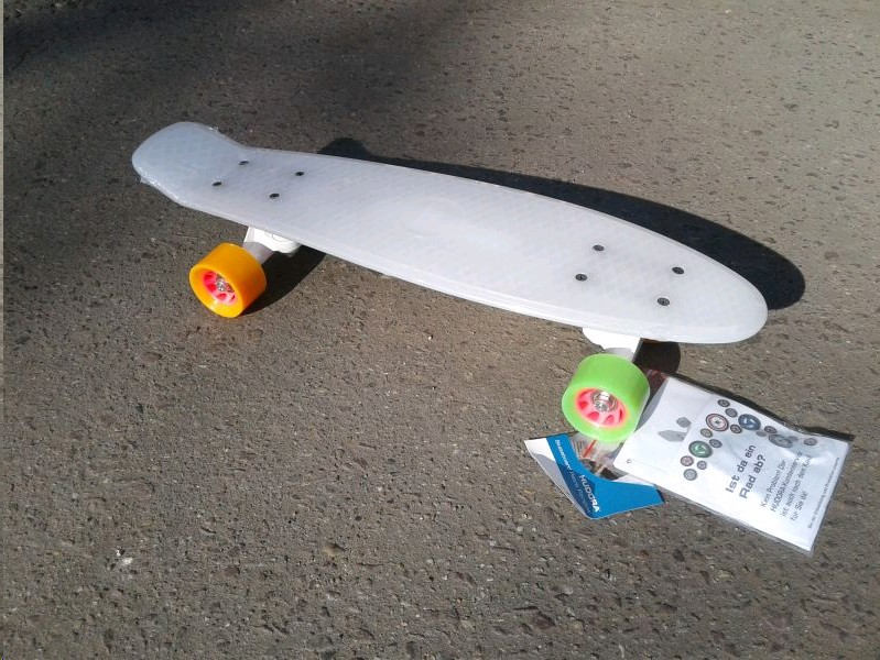 12134 Skateboard Retro Rainglow 22