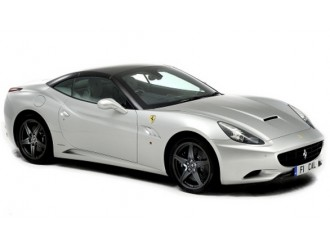 18-26002 Masina model FERRARI CALIFORNIA T (bordeaux, metalic gri, 1:24)