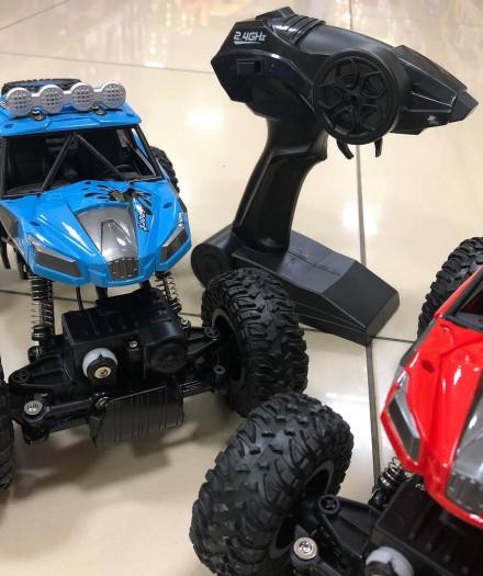 Masinutele Off-Road Monster Smash-up - un cadou perfect pentru baietelul tau
